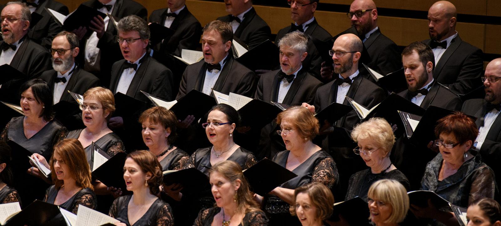 Föld körüli utazás / A Nemzeti Énekkar karácsonyi koncertje – Nagykanizsa